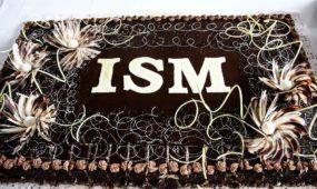 ISM bakalaurų įteikimai