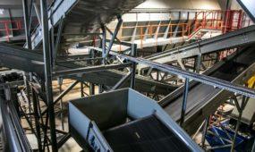 Šiukšlių ir atliekų tvarkymo ir rūšiavimo gamykla