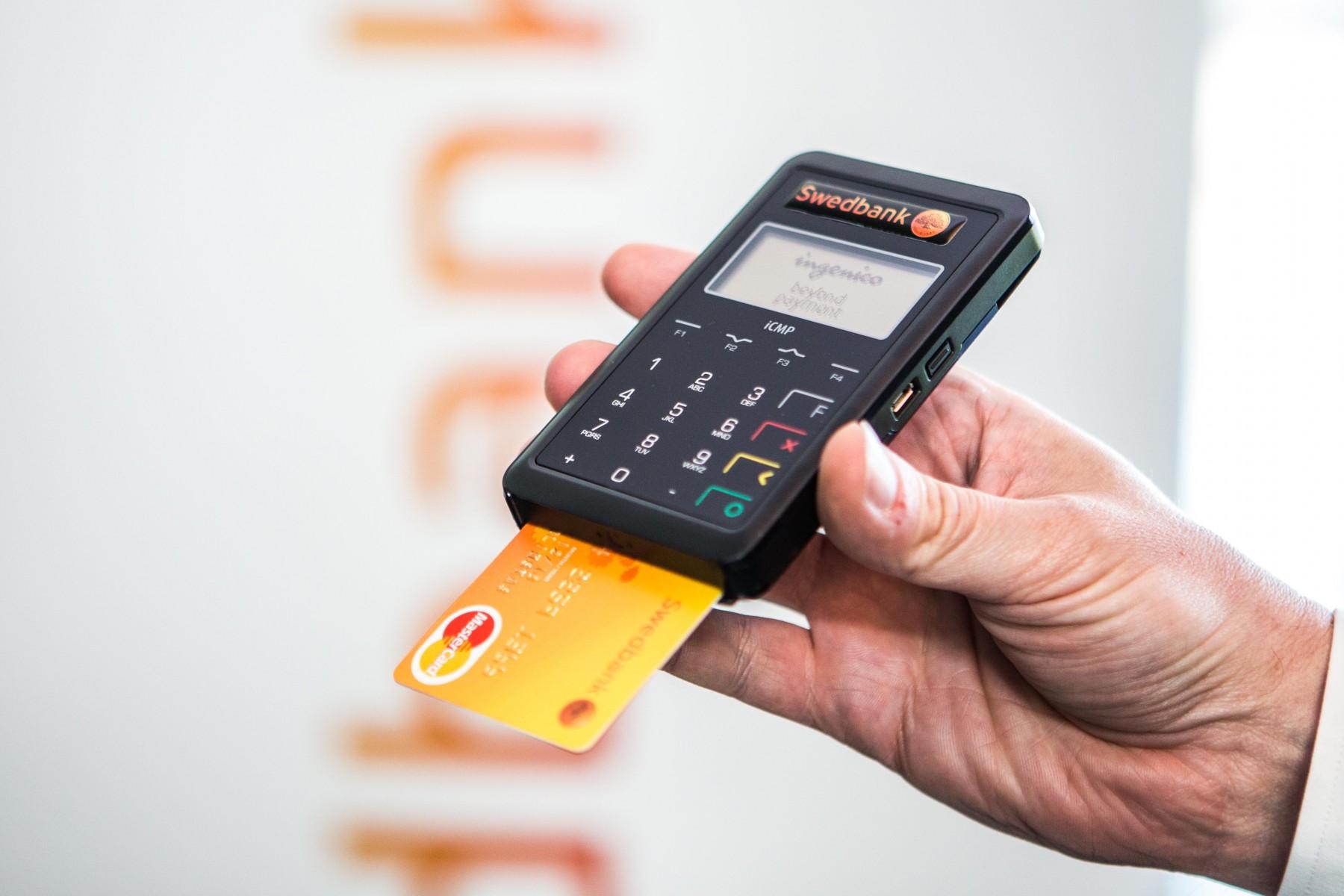 Mobilusis kortelių skaitytuvas | SEB bankas
