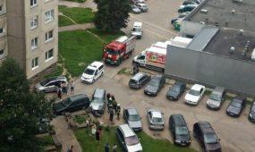 Nuostolių pridaręs BMW vairuotojas pasišalino iš įvykio vietos