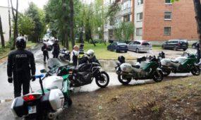 """""""Motobaltija"""" turistų ralio dalyviai rinkosi ant Veršvų piliakalnio"""