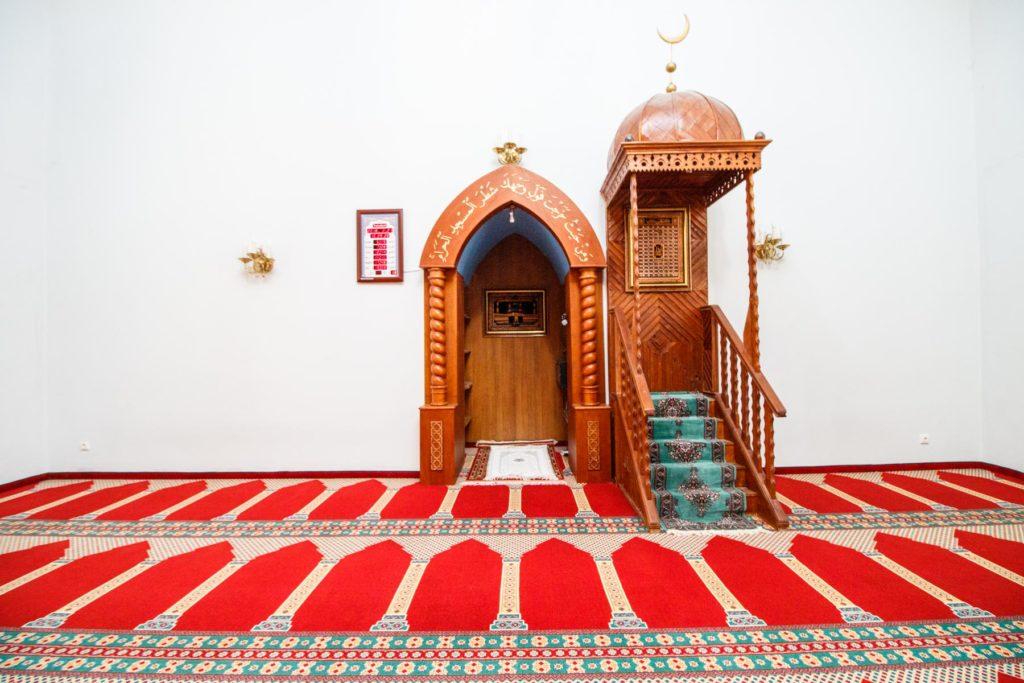 musulmonas nukirto varpą