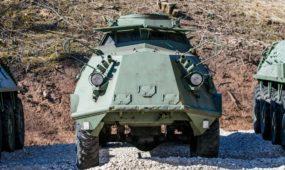 Karinės technikos ekspozicija VI forte