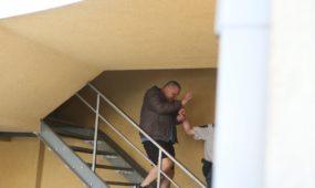 A. Ulvydas išvedamas iš teismo