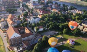 Skrydis oro balionu 10