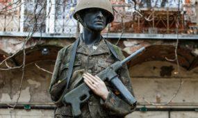 Militaristinis kiemas Laisvės alėjoje