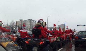 Kauno gatvėse - Kalėdų Seneliai ant keturračių