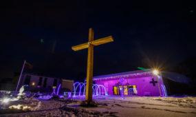 Kalėdiškai pasipuošusi koplyčia Šilainiuose