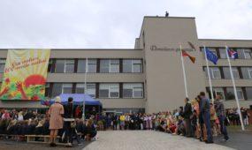 1. Svietimas. Rekonstruota ir modernizuota Domeikavos gimnazija