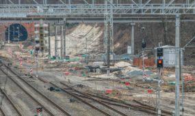 Darbai prie geležinkelio stoties