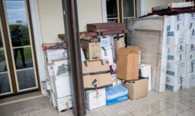A. Zuoko namuose rasta daugybė menininko J. Meko daiktų