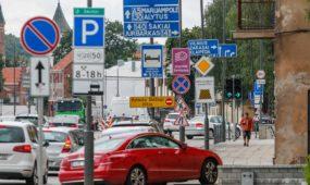 Nauja eismo tvarka Karaliaus Mindaugo prospekto ir Birštono gatvės sankryžoje