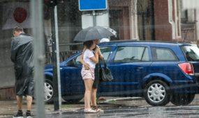 Kauną nuplovė vasariškas lietus