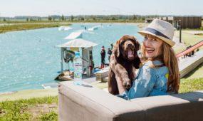 Vlada Musvydaitė ir jos augintinis šuo Vingis