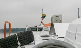 """Pristatytas į Nidą plukdysiantis laivas """"Deima"""""""