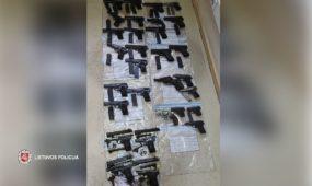 Policijos konfiskuoti ginklai