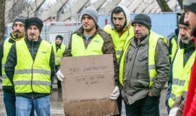 Turkų statybininkų streikas prie S. Dariaus ir S. Girėno stadiono