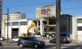 Griaunamas Kalniečių prekybos centras