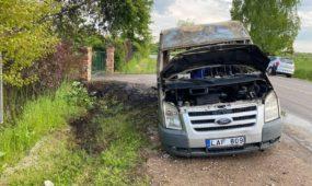 Šiltnamių gatvėje sudegė automobilis