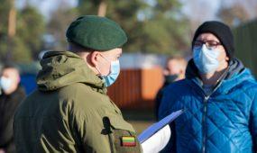 Tarnybą pradeda karo prievolininkai