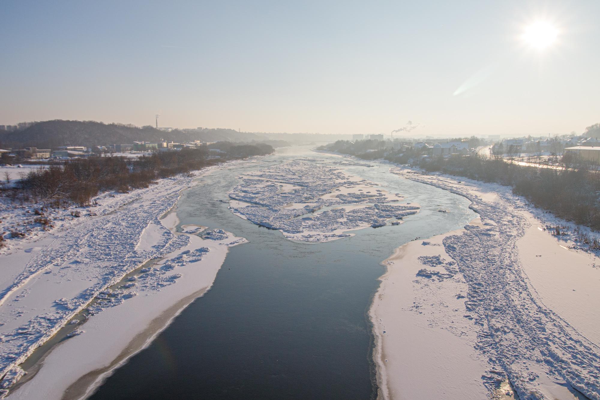 Ledų sangrūdos Neryje