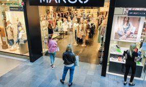 Atidarytos parduotuvės prekybos centruose