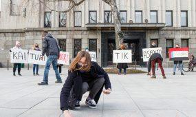 Protesto akcija prie savivaldybės