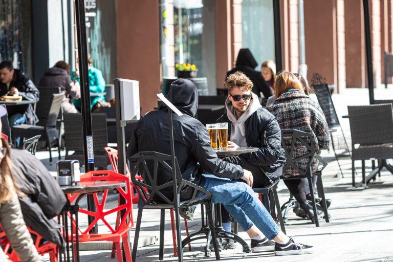 Lauko kavinės Laisvės alėjoje ir Senamiestyje per karantiną