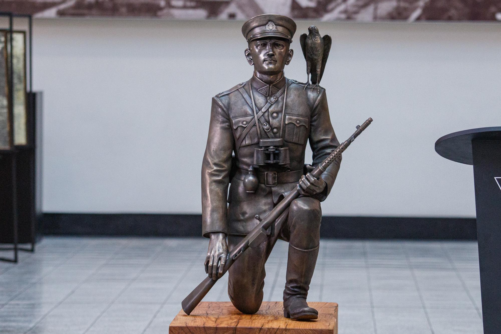 Adolfo Ramanausko-Vanago skulptūra