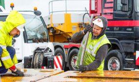 Iškraunamas galingiausias Baltijos šalyse autotransformatorius