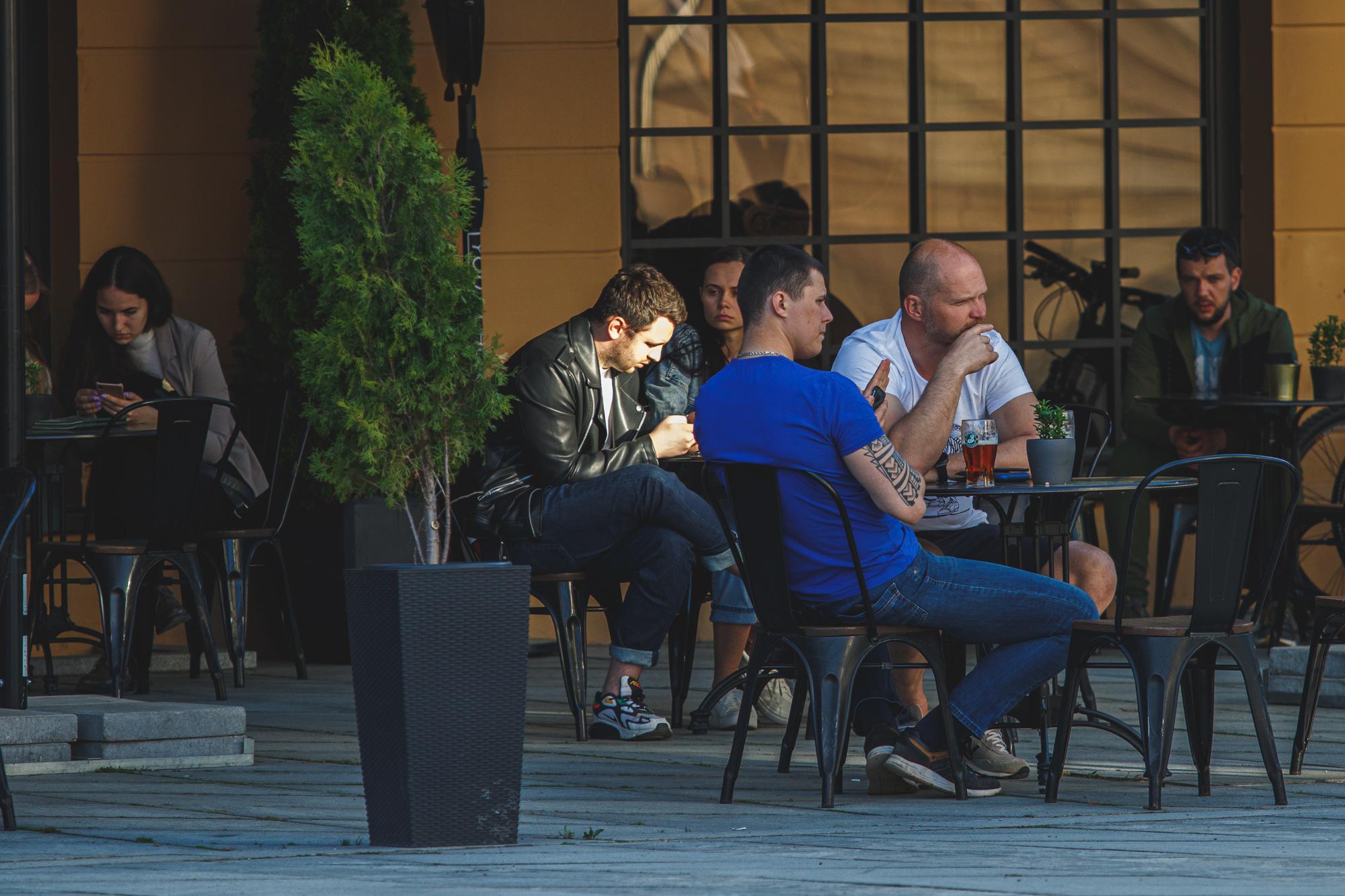 Barai ir kavinės Laisvės alėjoje ir senamiestyje